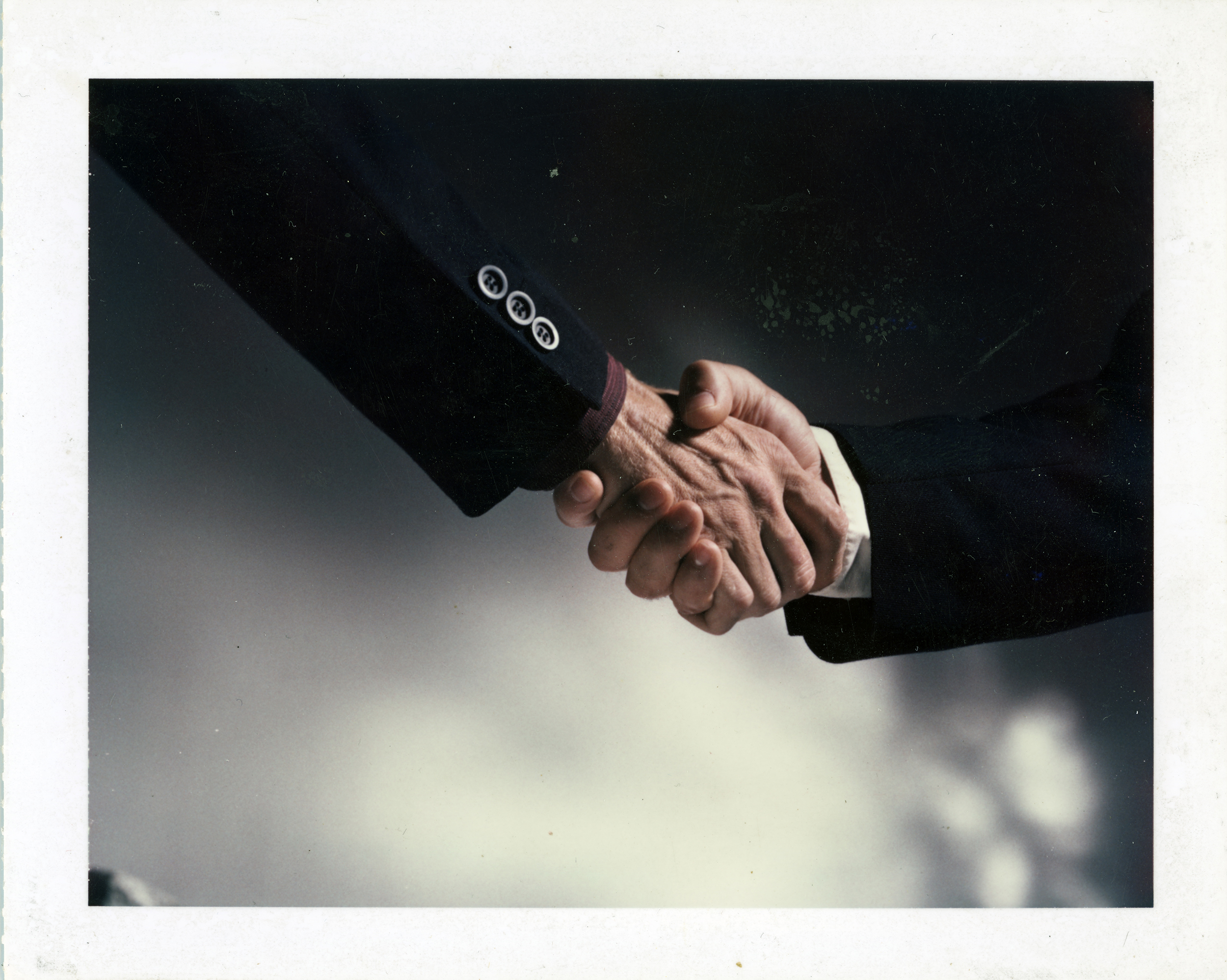 archiv023-kezfogas